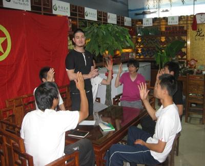 说明: 青少年社团积极开展建团工作