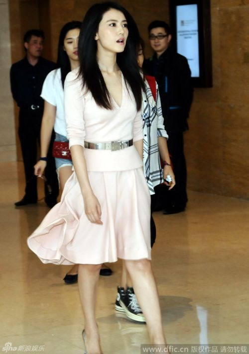 9月15日,上海,高圆圆与谢霆锋结束电影宣传后离开某酒店.