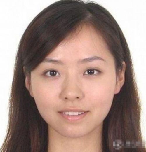 明星素颜证件照:刘晓庆如蜡像 宋茜满脸麻子(22)