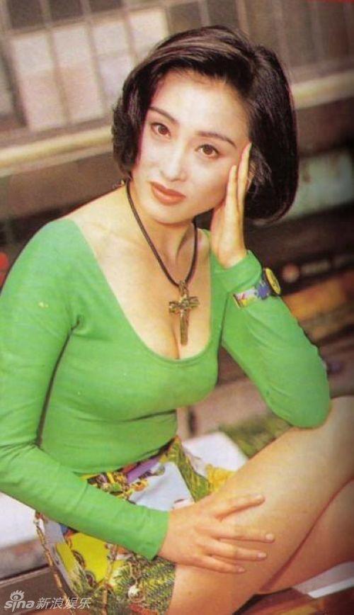 张敏迎47岁生日 青葱旧照性感迷人组图