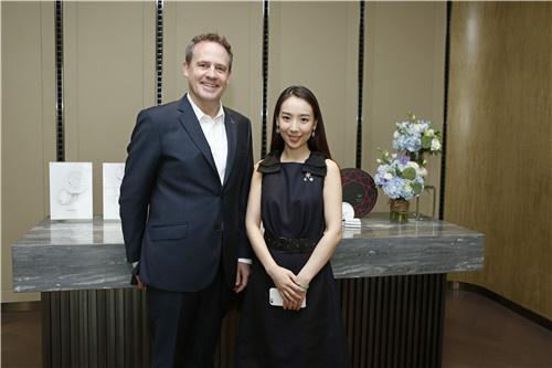 北京长安街w酒店携珠宝设计师孙何方呈现中秋礼盒毕业