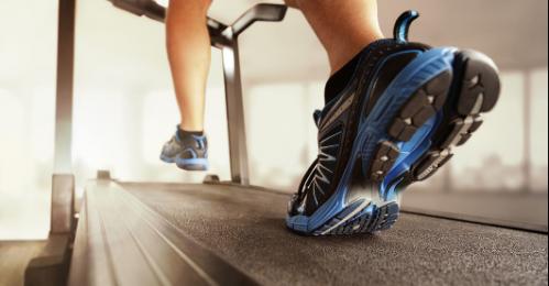 健康 健康要闻 >> 正文  真正现代的使用电机驱动的跑步机则源于美国