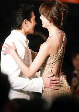 范冰冰刘亦菲章子怡赵薇 绝色女星竟主动投怀送抱