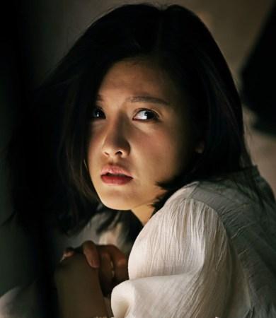 杨子姗这两年的发展很顺利,最近由其主演的奇幻爆笑喜剧《万万没想到图片