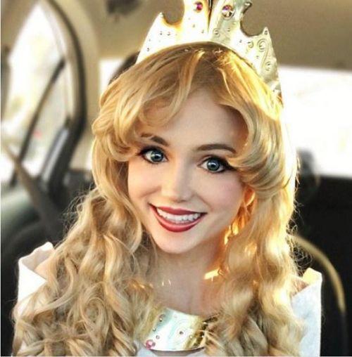 女子天生公主脸 颜值逆天白雪公主睡美人弱爆了图片
