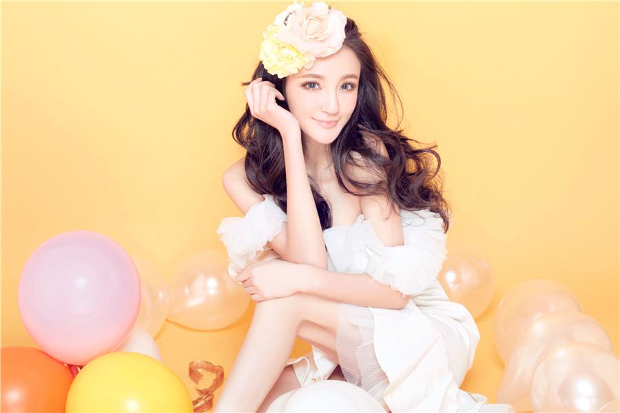 刘雨欣青年节晒活力写真 心境是青春的法宝获赞