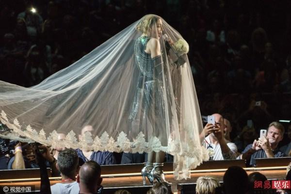 麦当娜将在公告牌颁奖礼致敬Prince