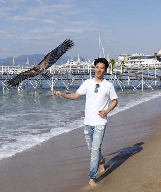 《终极胜利》窦骁约瑟夫戛纳海滩放风筝