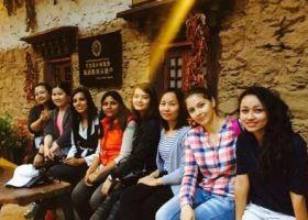 10개국 유학생들이 참가한 '체험 중국•쓰촨 여행기', 장족 문화체험